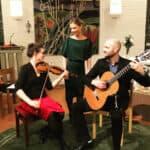 Violinist, sångerska och gitarrist